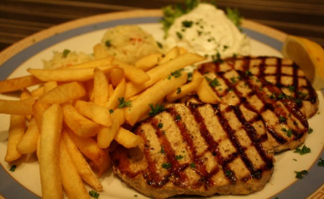 58. Schweinesteak 3 Stk 12,00€